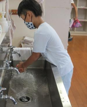 13おおぞら ②手洗い写真.JPG