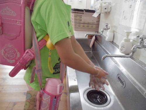 19にじいろ ②児童の手洗いの様子.JPG