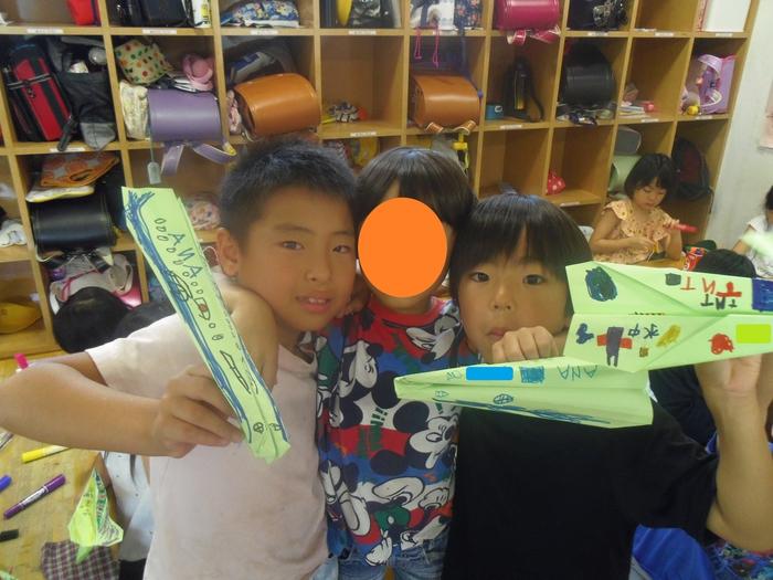 10マリンキッズ紙飛行機大会2.JPG